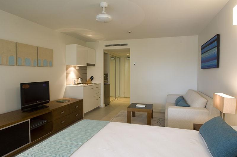 studio-apartment-full-room-d07020rkh-0369